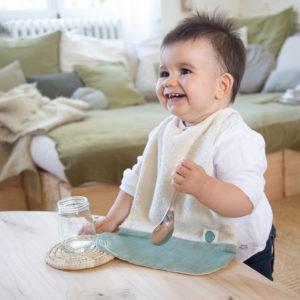 Serviette élastiquée verte en coton bio – Pitigaïa